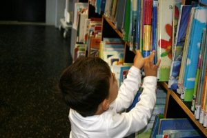 school books1 300x200 - Elementary Students With Same-Sex Parents Not Part of Family Curriculum