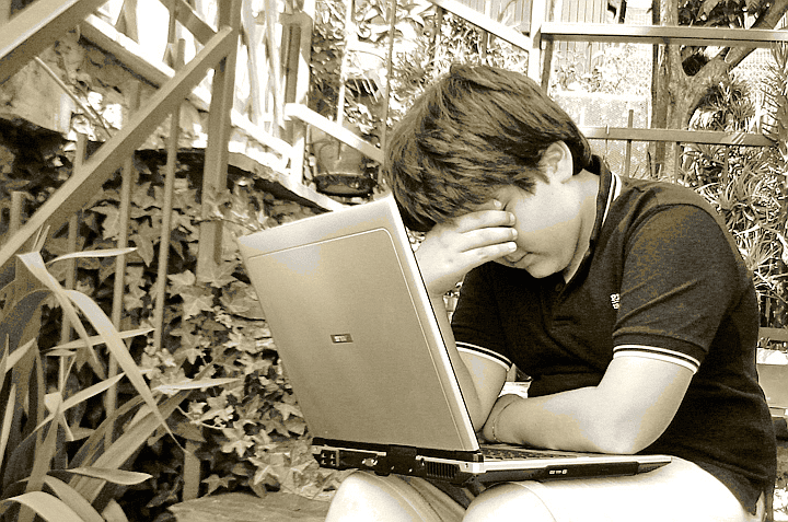 How to check if child bullied online