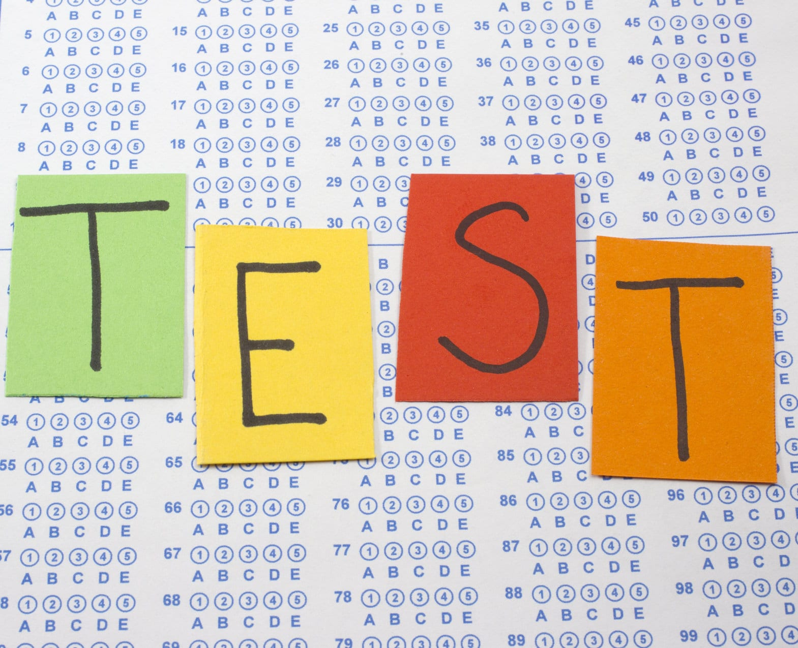 make a multiple choice test This tutorial will show you how to create, format and upload a test/quiz to blackboard this method is typically reserved for tests/quizzes of at least 15+ questions.